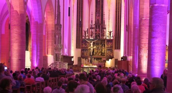 Unsere Kirche während der Goldschlägernacht in Schwabach