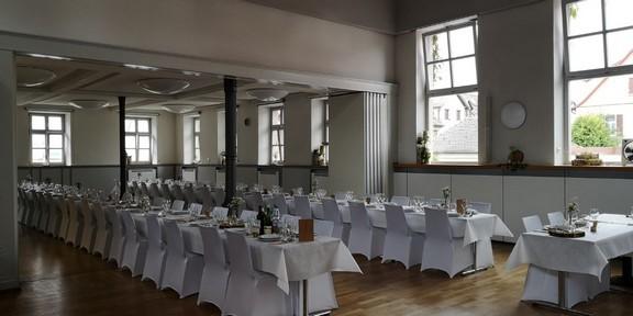 Martin - Luther Saal und geöffneter Sophie Scholl Saal. Hochzeit für 170 Gäste