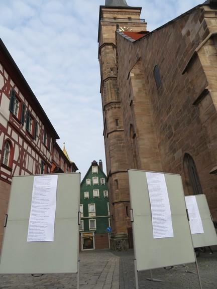 Thesentafeln vor der Stadtkirche